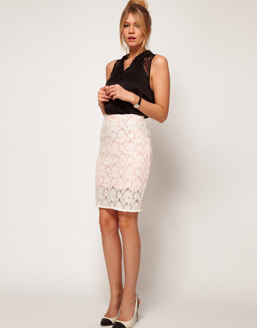 Светлая кружевная юбка