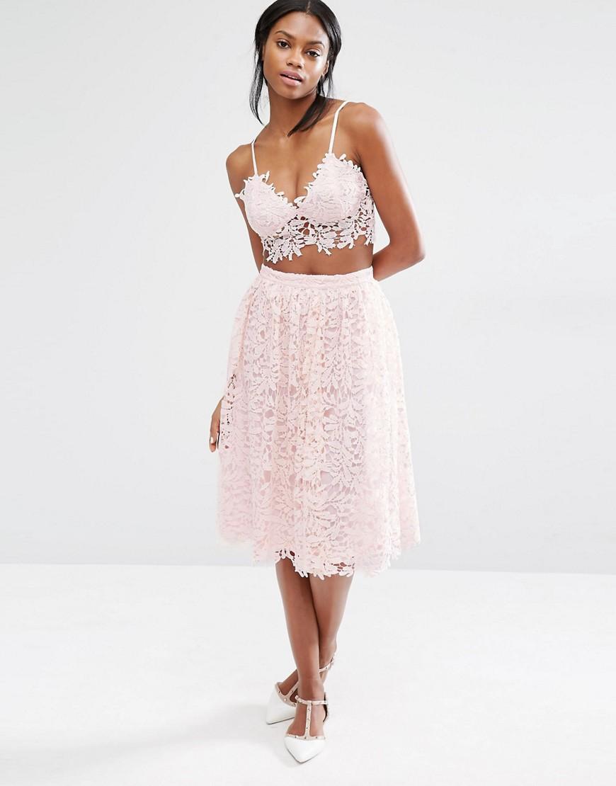 Кружевная белая юбка миди