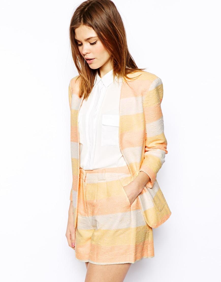 Пиджаки женские и костюмы