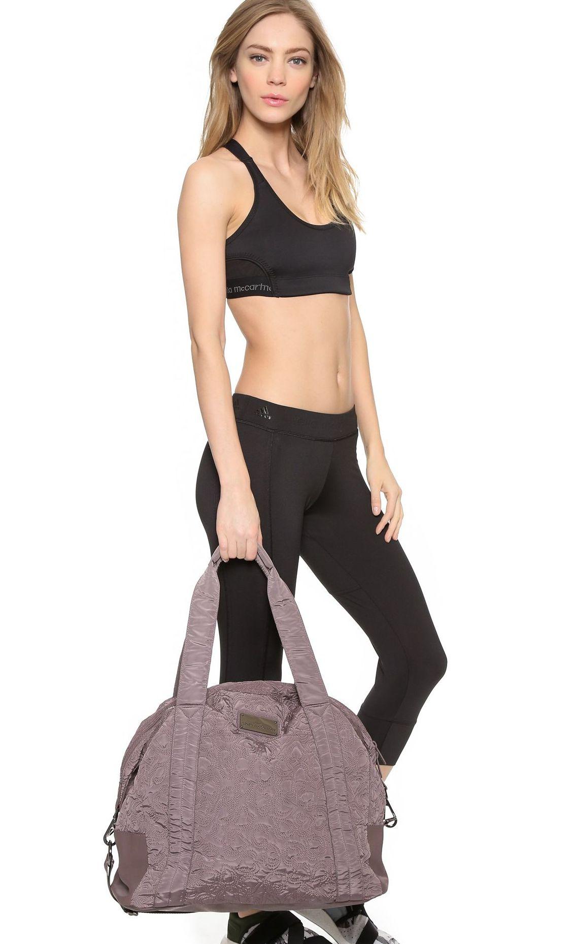 d7b83755ec2e Особой популярностью пользуются сумки известных спортивных брендов, которые  удачно сочетают надежность, функциональность и стиль.