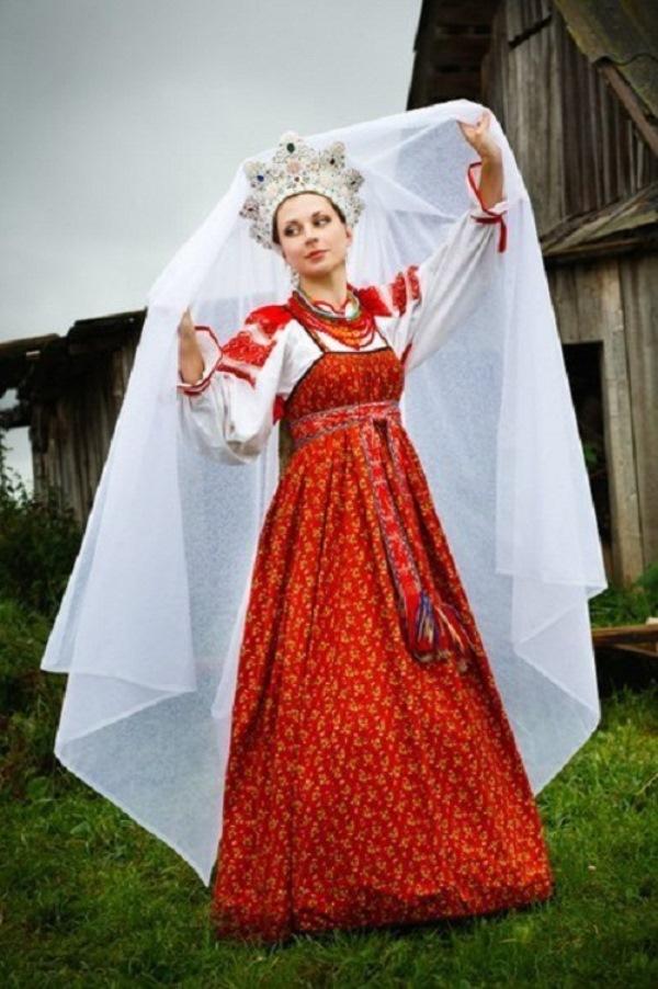 Платье русское старинное