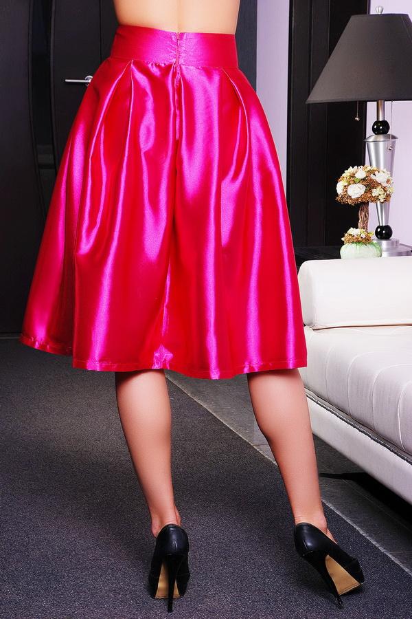 девушки в шёлковых юбках