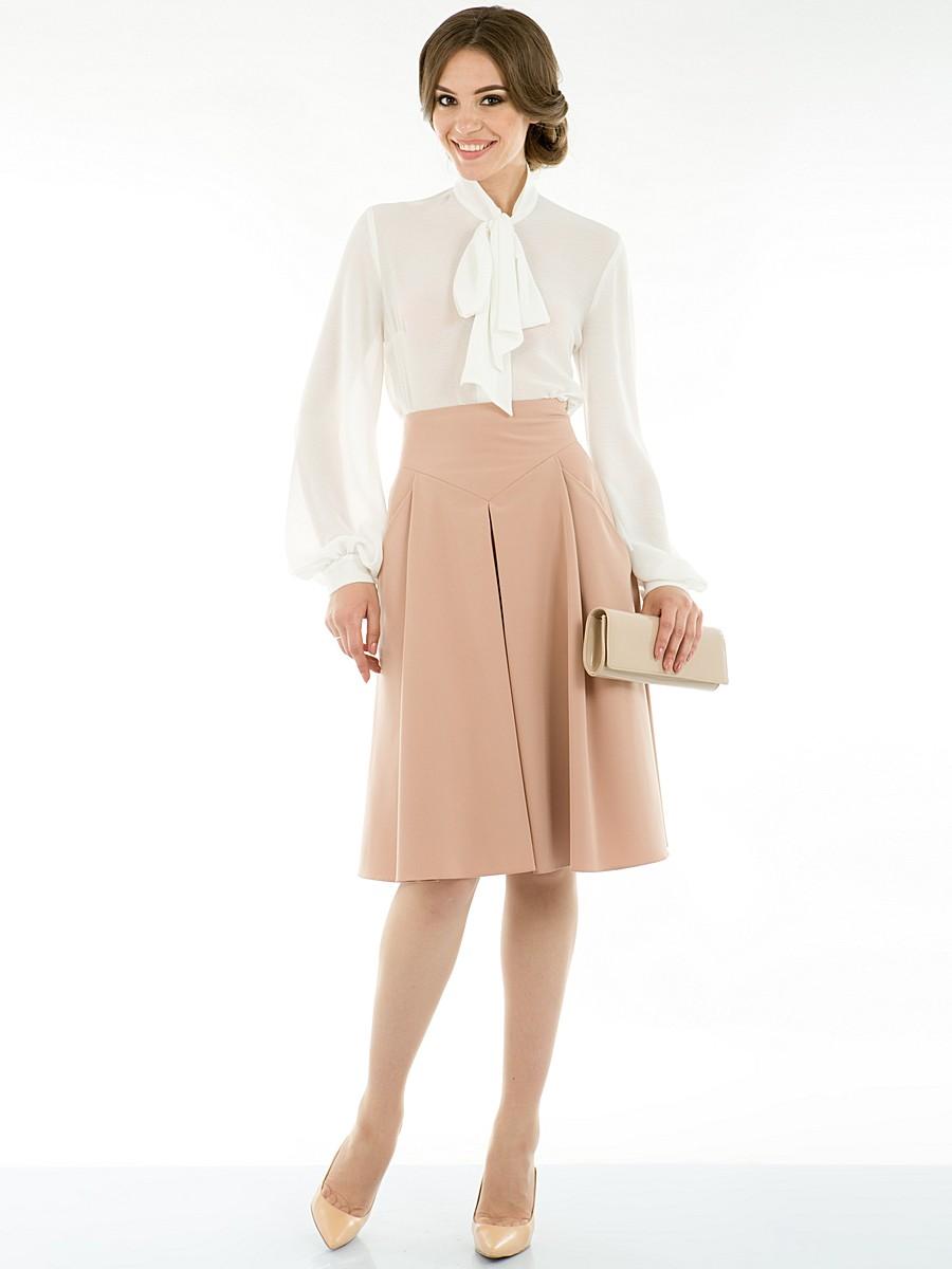 Фасон одежды для широких плеч