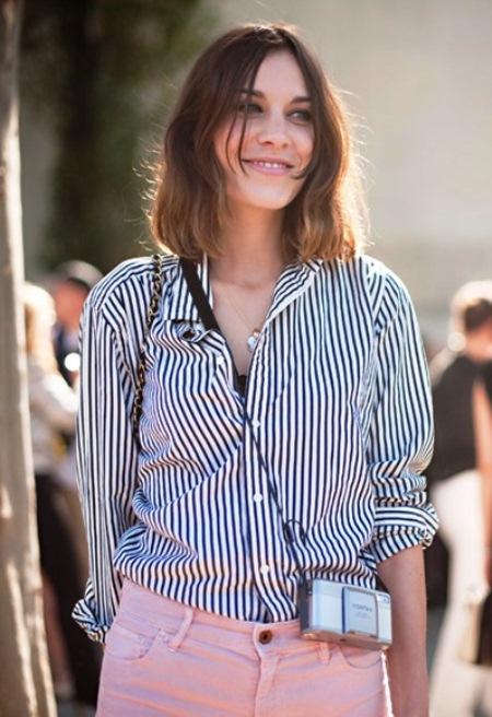 0b98cd82387 Рубашка в полоску женская (43 фото)  с чем носить полосатую рубашку ...