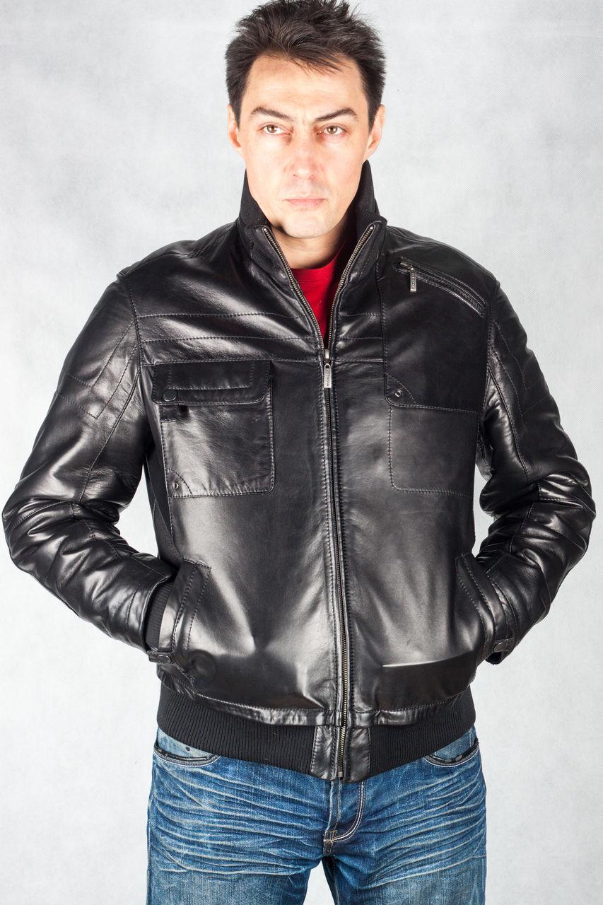 Мужская мода – это функциональность и практичность, сдержанность и  устоявшиеся традиции. Все большую популярность приобретают куртки для  мужчин из кожи. f691f2d9b24