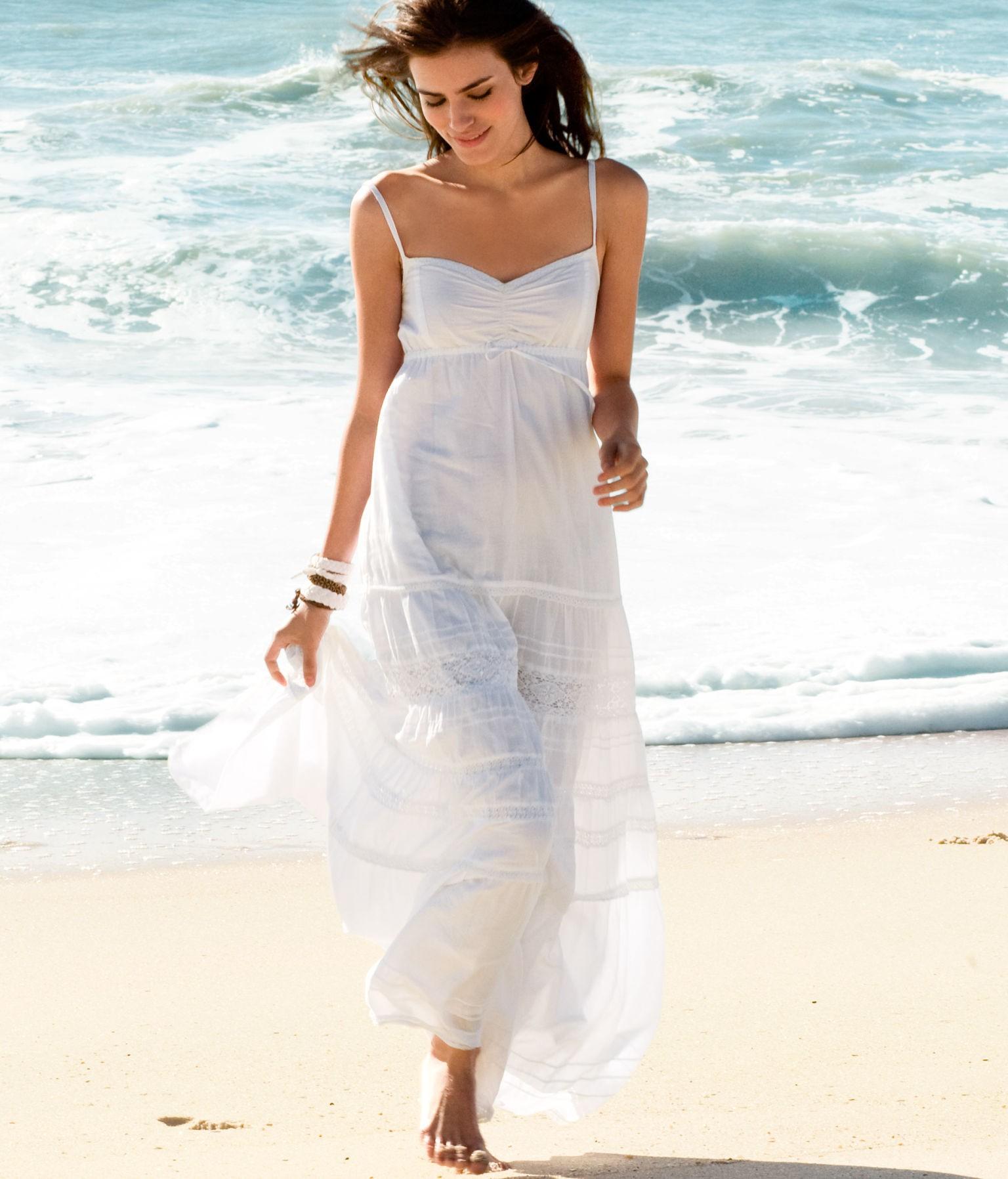 Пляжное платье белое в пол
