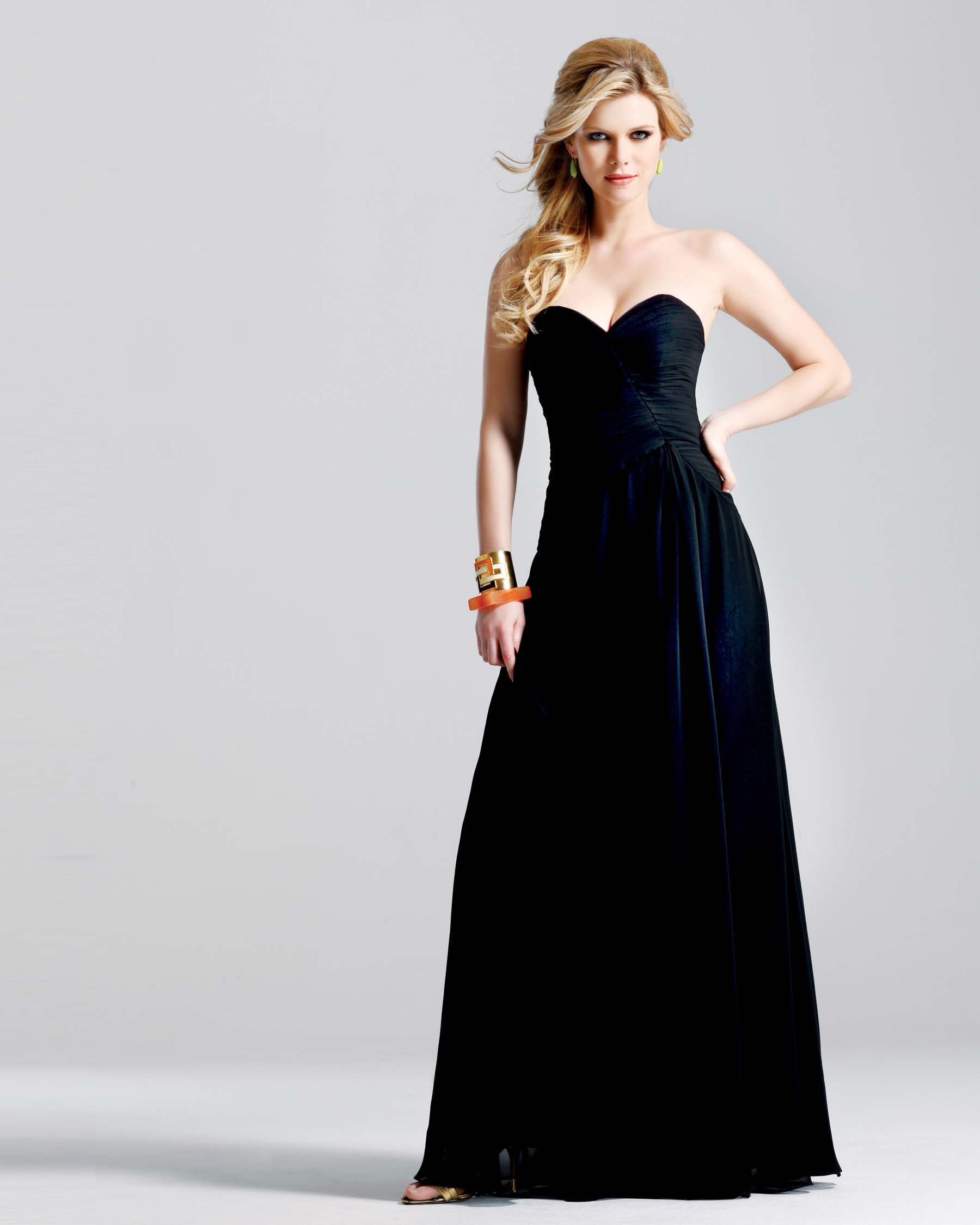 Чёрное платье длинное
