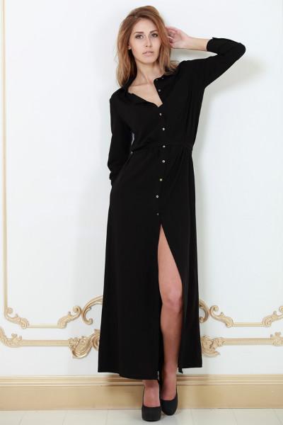 Модель черное длинное платье