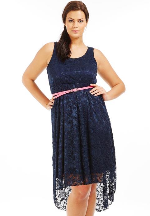 Модель платья для полных из гипюра