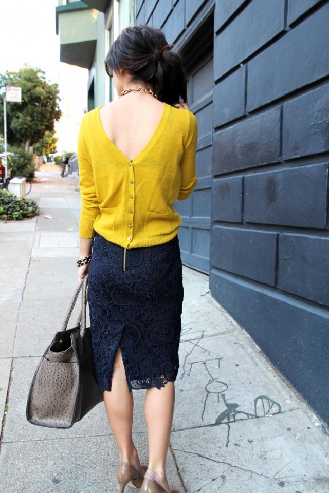 Одеть нечаянно вещь наизнанку и одеть задом наперед: приметы