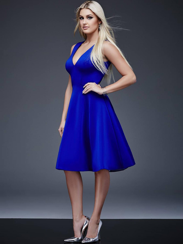 Атласное платье короткое синее платье