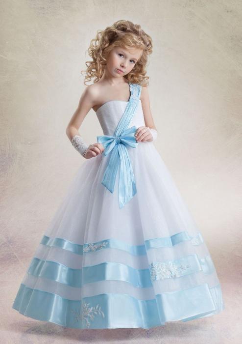 620d4c663fb248d Современные родители хотят нарядить дочку, одевая ее в модные и красивые  платья. На сегодняшний день вечерние платья для детей, аксессуары и  украшения ни в ...