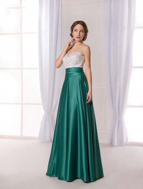 Фото модели в бальных платьях