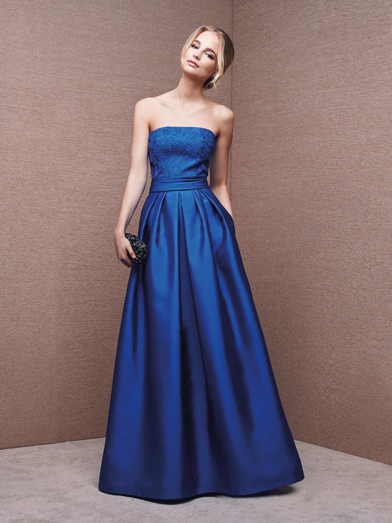 Телесные выпускные платья