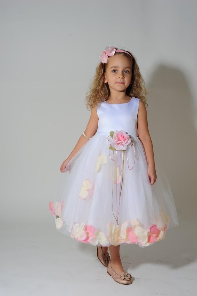 Платья на девочек с лепестками