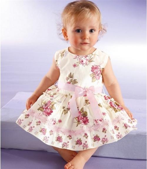 Платье на девочку до года