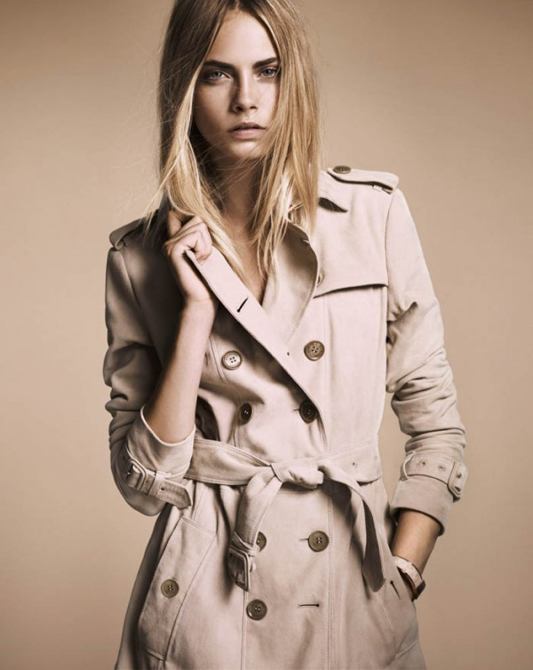 Плащи этого британского дома моды сочетают в себе две особенно ценные  характеристики – непревзойденность качества и современность внешнего вида. cd821688b9dd5