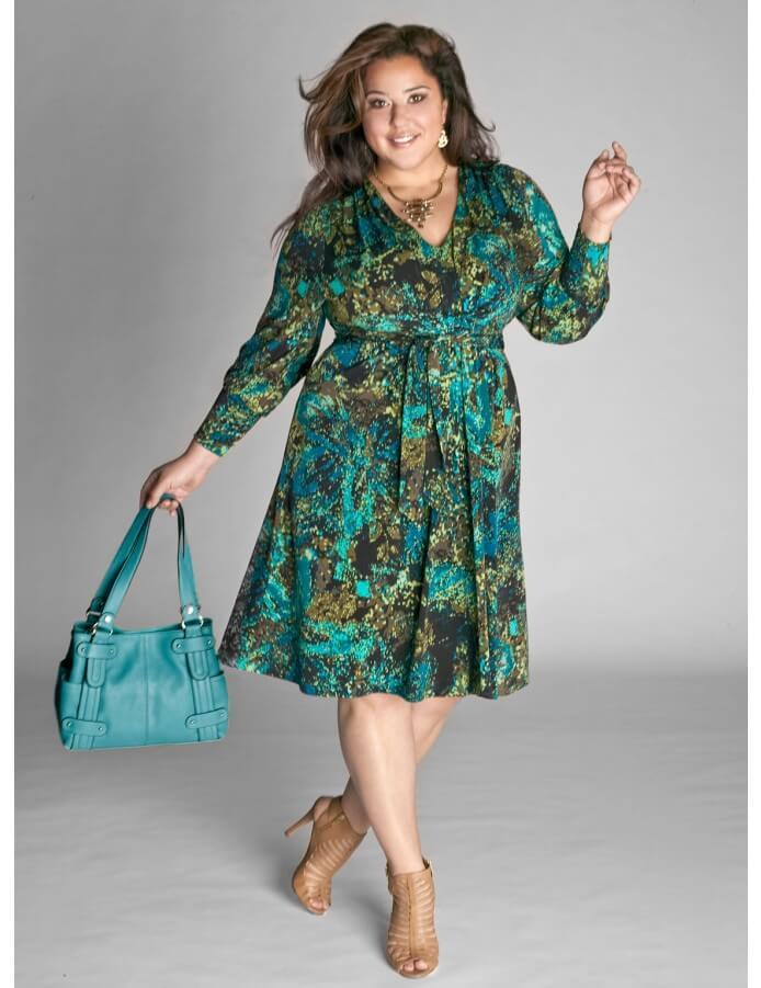 8c7d35eaf6677fc Платье-халат большого размера для полных (28 фото)