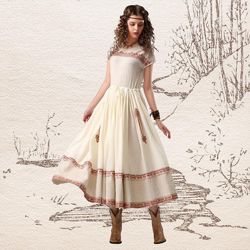Вышивки на подол платья