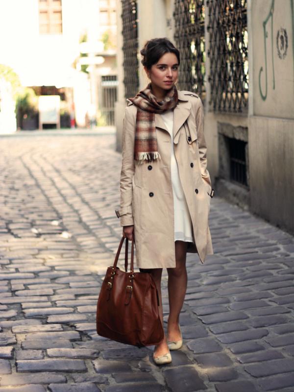 С чем носить тренч коричневый