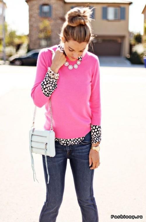 С чем носить розовый свитер