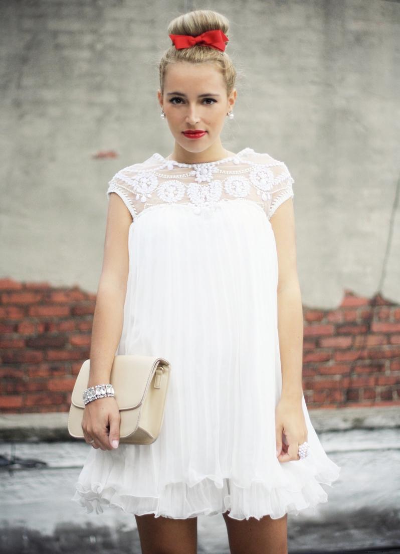 Белое платье для беременных (50 фото)  короткое, длинное 994f2440c5d