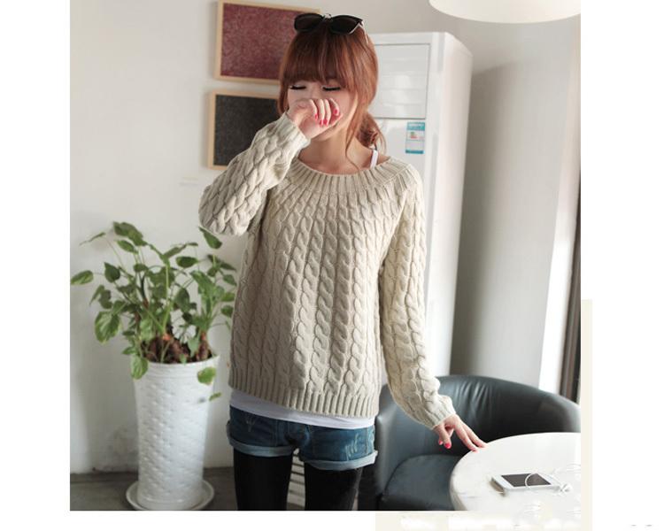 С чего вяжут свитер