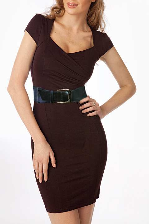 коричневое платье в горошек