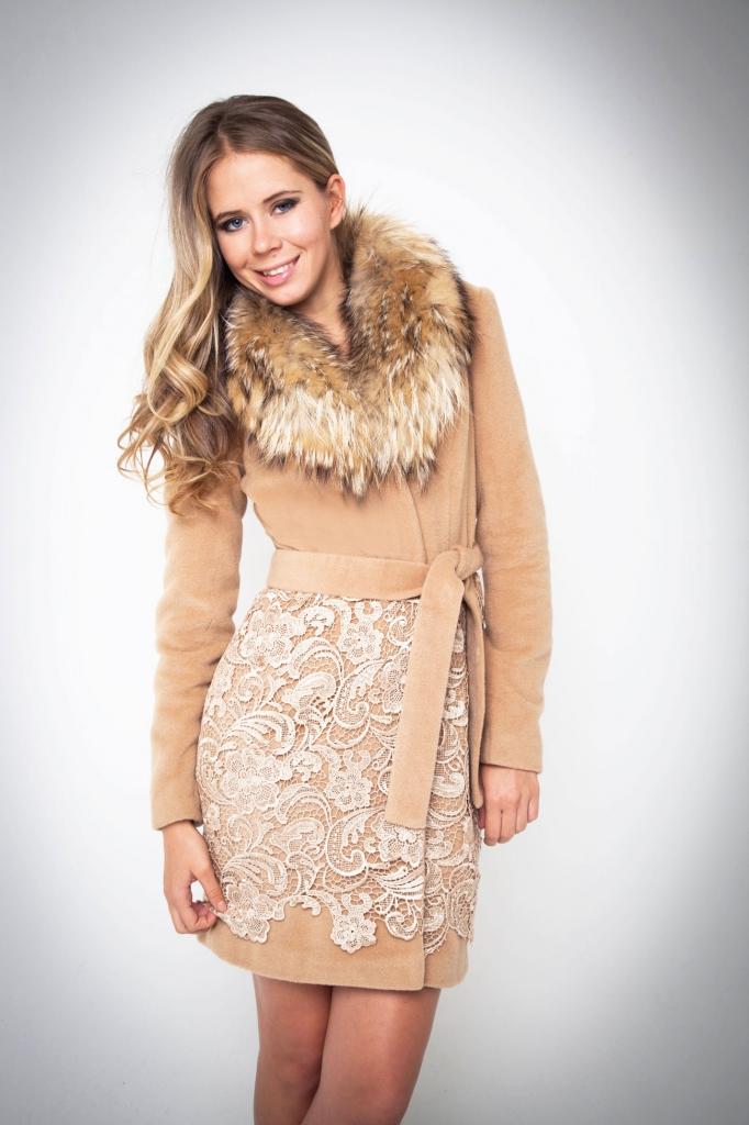 Пальто женское комбинированное кружевом