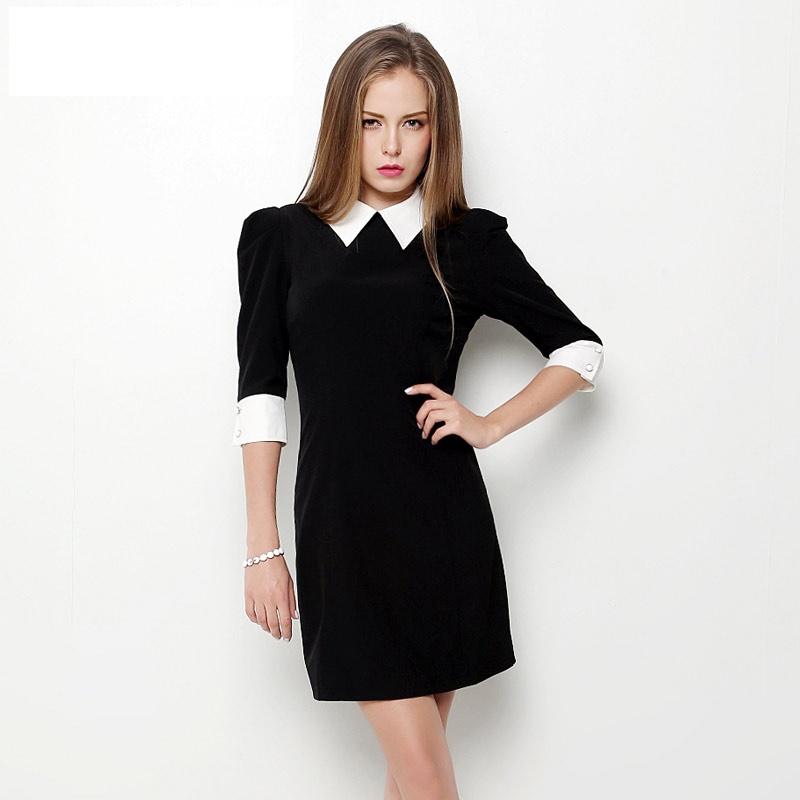 Чёрное  с белым воротником и коротким рукавом