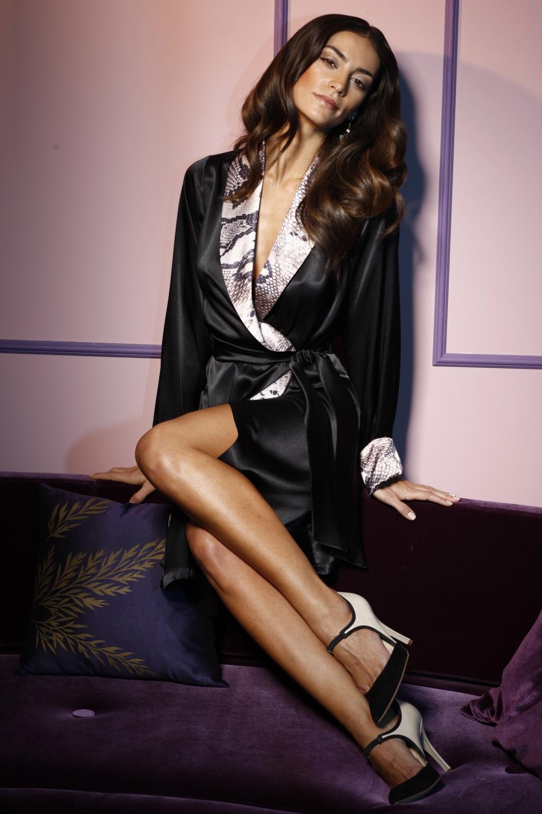 07e0e7455783cde Черный шелковый женский халат (24 фото): длинный, с кружевом