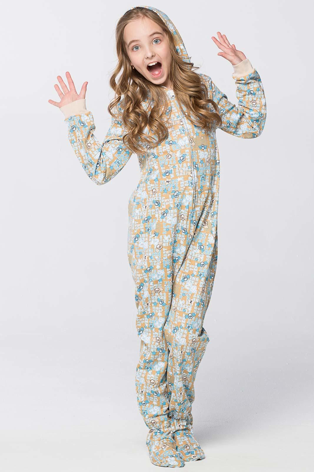 Наиболее оптимальным вариантом для пошива зимней пижамы для ребенка  является велюр. Ткань отличается натуральностью и мягкостью d2a5ecef57ec2