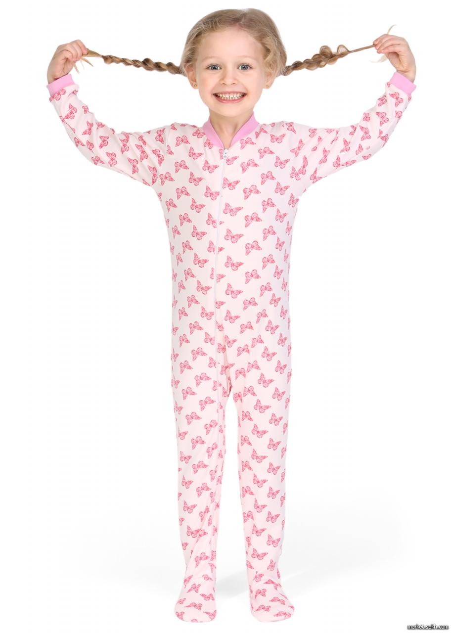 ... интересный крой и применение декора — все это присутствует в новых  моделях. Одним из примеров таких идей является детская пижама-комбинезон 29ff67f85c9ea