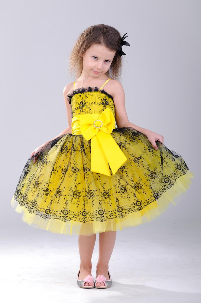 как сшить желтоватое платьице для девченки на праздник