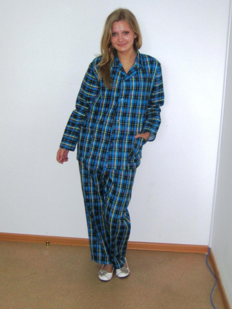 da4a5184a3eb Пижама для мальчиков и девочек, для мужчин и женщин. Фланелевая пижама  очень мягкая и легкая, в ней тепло и уютно спать. Плотный материал  выдерживает ...