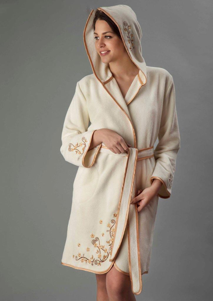Вышивка на бамбуковом халате
