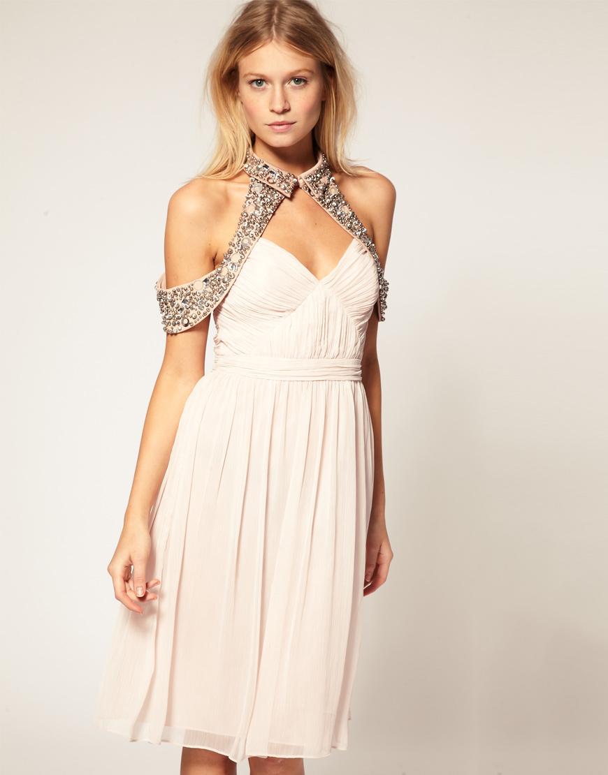 Выбираем платье с открытыми плечами фасоны модели образы