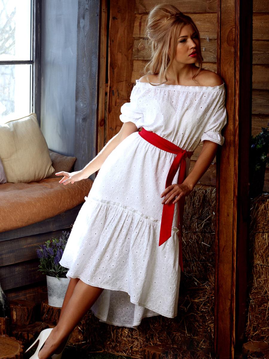 Платье с воланом 2018 (150 фото): на одно плечо, с рукавами воланами, на груди, на рукавах, без плеч, красное 95