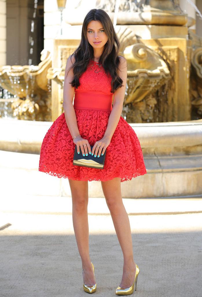 Цвет платья для брюнетки