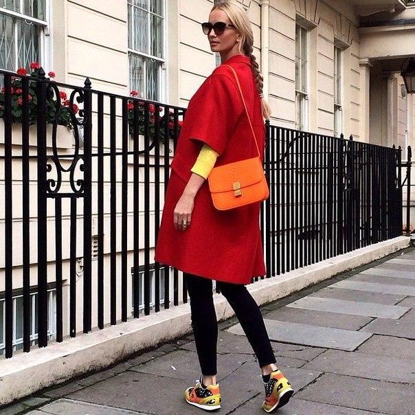 Малиновое пальто: с чем носить новые фото