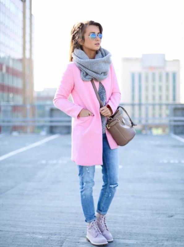 бежево розовое пальто с чем носить фото