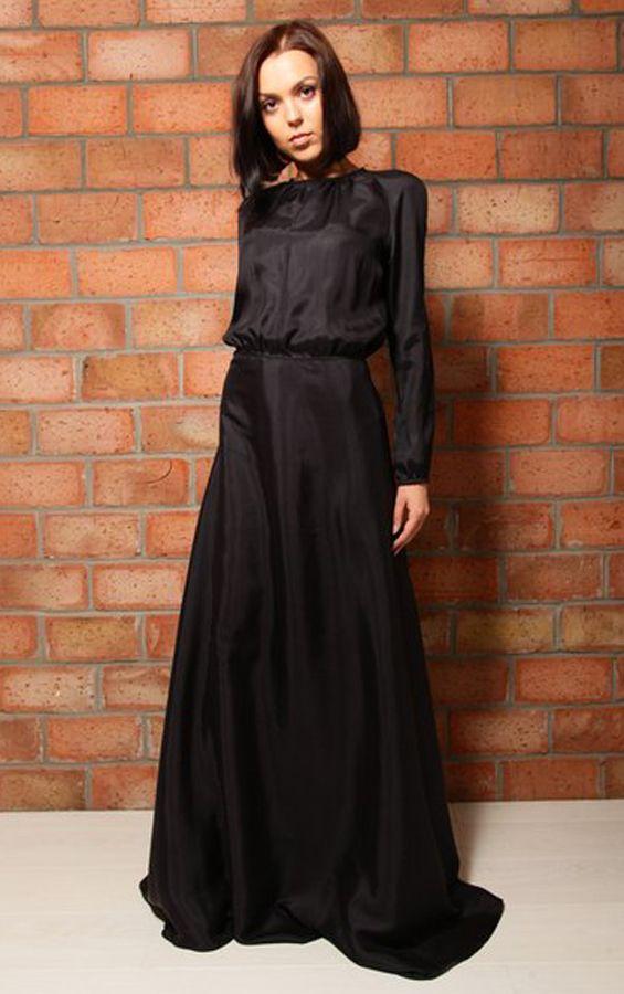 Платье из шелка в пол