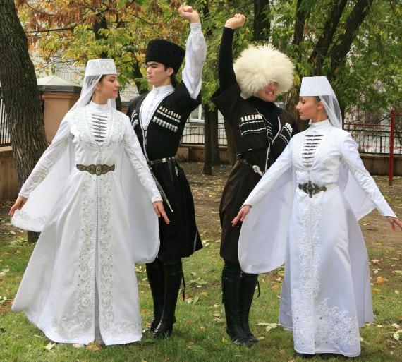 Сейчас национальный грузинский костюм используется на различных  торжественных мероприятиях. 85fb2cf623b