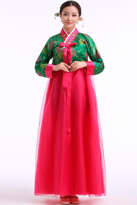 Корейские костюмы женские