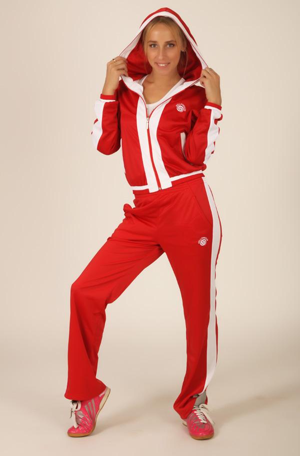 Красный спортивный костюм (22 фото)  женский костюм Россия 9fbb052f3ee
