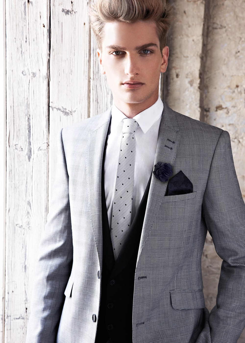 ea2d78f5cfad Мужской костюм в клетку (42 фото)  клетчатый серый костюм