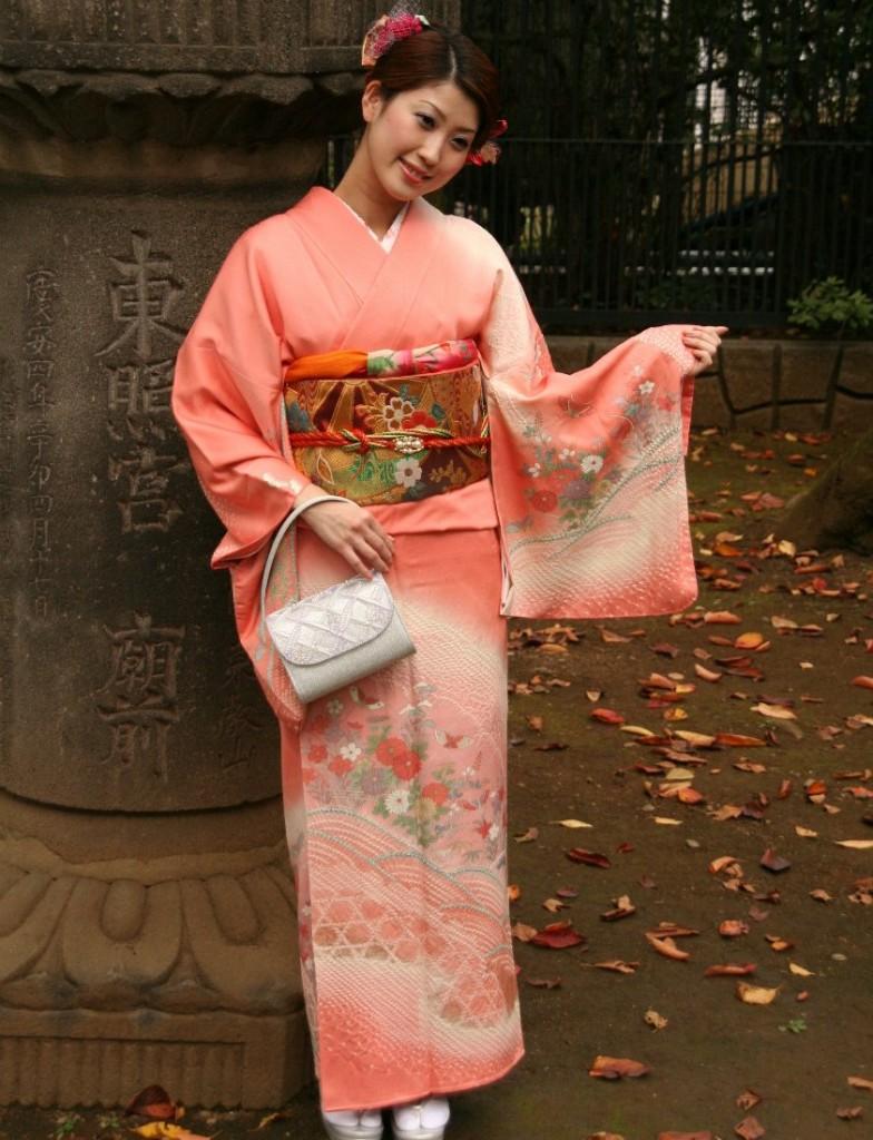 Японские костюмы женские
