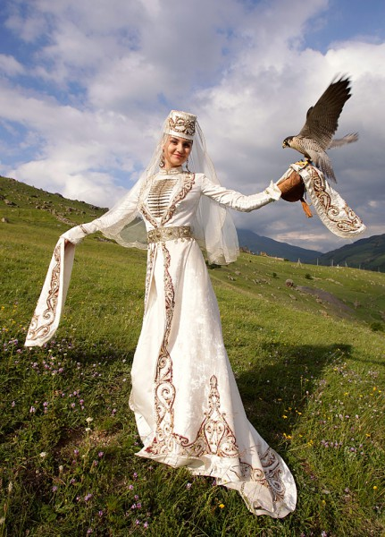 Национальные свадебные платья кавказа