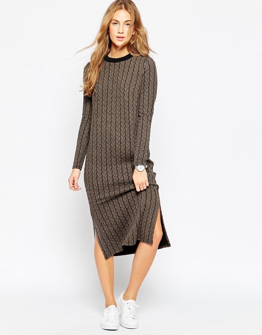 Платье прямое ниже колена фото