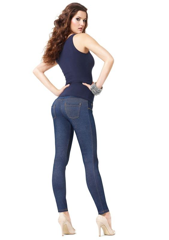 В джинсах сексуальная